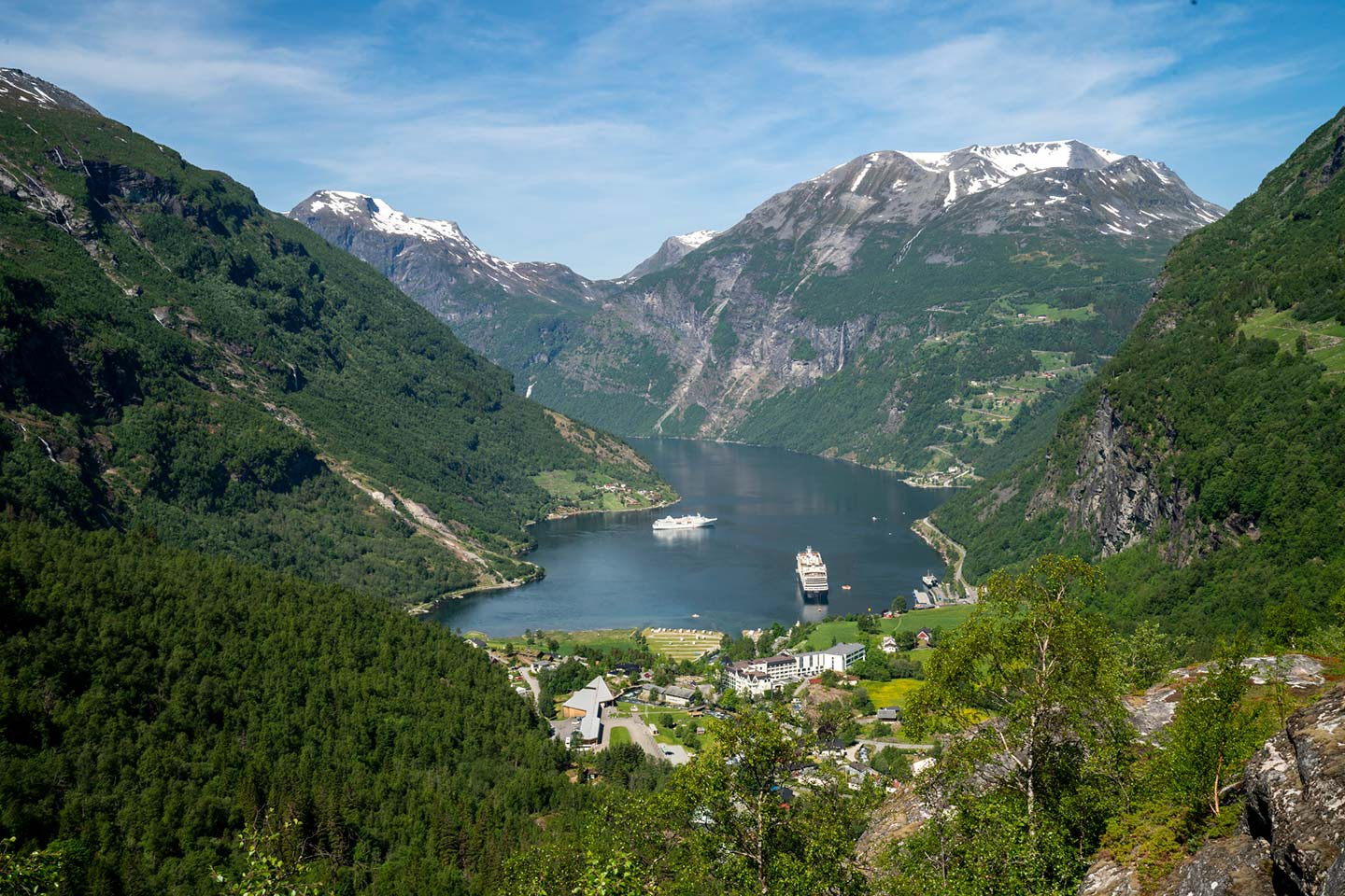 Afbeelding van Ragnarok Geiranger Seen From Flydalsjuvet Viewpoint VG Partnerstudio VisitNorway