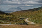 Geirangerfjord Zien Reis Thialf Car Driving On Road Infront Of The Rondane Mountain Ch Visitnorway Com