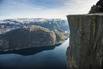 Hurtigruten Hotelrondreis Freyr Pulpit Rock Iconic Norway Berge Knoff Natural Light Visitnorway