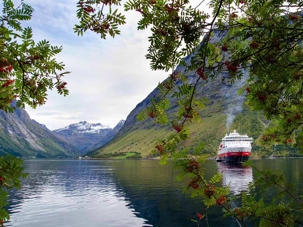 Hurtigruten Haven Hjørundfjord