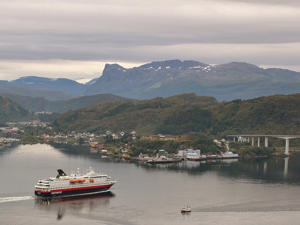 Hurtigruten Haven Måløy