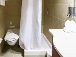 Ocean Endeavour Superior Twin Bathroom.jpg