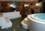 jacuzzi_in_recreation_centre_1352377210.jpg