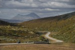 noorse-fjorden-zien-mimir-car-driving-on-road-infront-of-the-rondane-mountain-ch-visitnorway.com.jpg