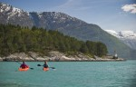 rondreis-njord-kayaking-on-the-hardangerfjord-ch-visitnorway.com.jpg